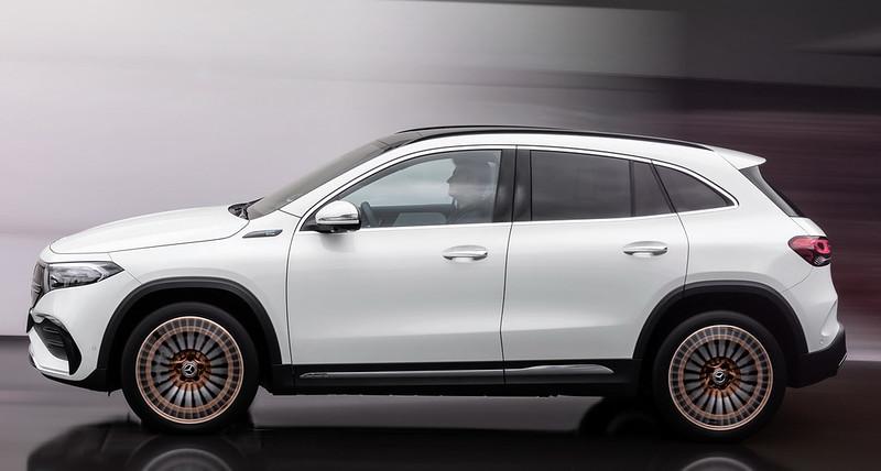 Mercedes-EQA (2)