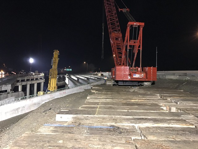 Setting girders on new southbound I-5 Puyallup River Bridge