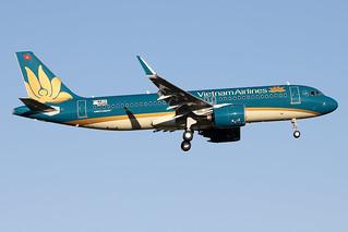Vietnam  Airlines / Airbus   A 320 Néo   F-WWIU   msn 10200 / LFBO - TLS / janv 2021