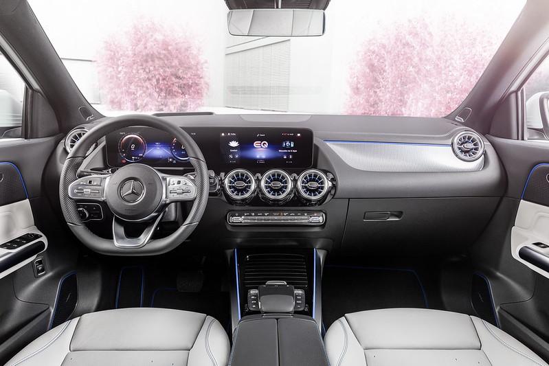 Mercedes-EQA (7)
