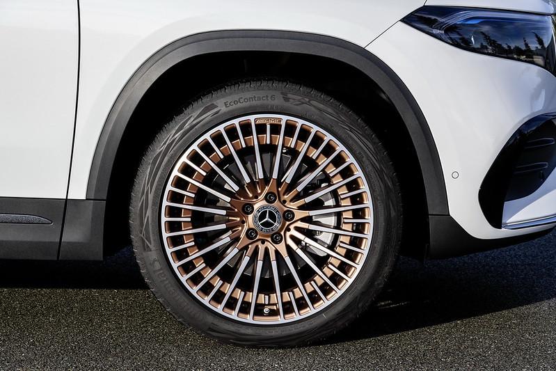 Mercedes-EQA (4)