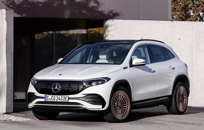 Mercedes-EQA (8)