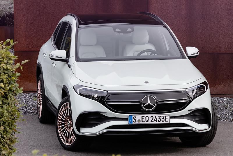 Mercedes-EQA (10)