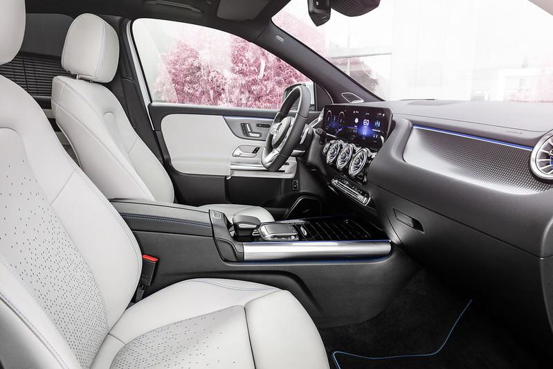 Mercedes-EQA (6)