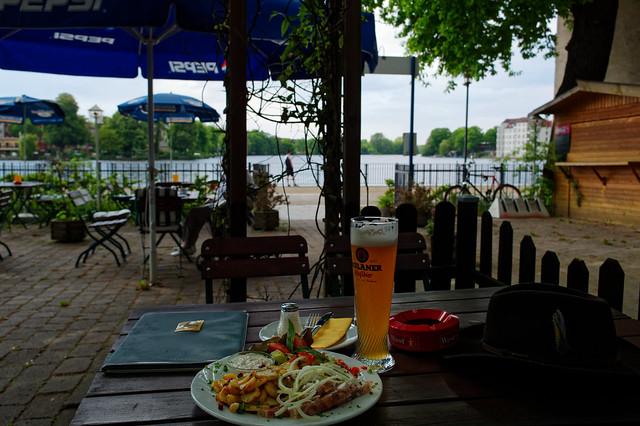 Mittagspause am Wasser