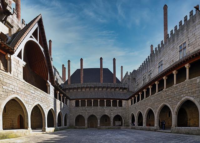 Portugal - Guimarães - Paço Dos Duques de Bragança - palais des ducs de Bragance