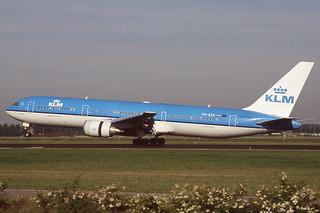 PH-BZK Schiphol 15-6-2005