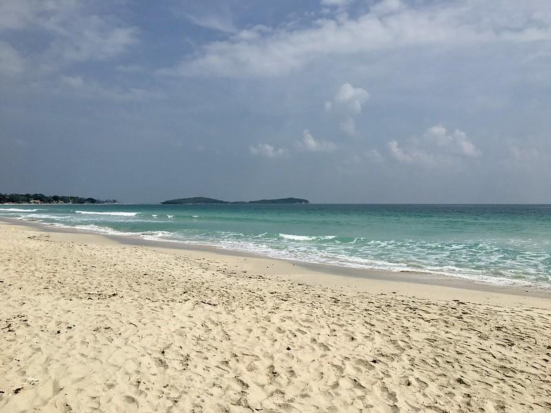 サムイ島から日々雑感 チャウエンビーチとメナムのあの老舗食堂