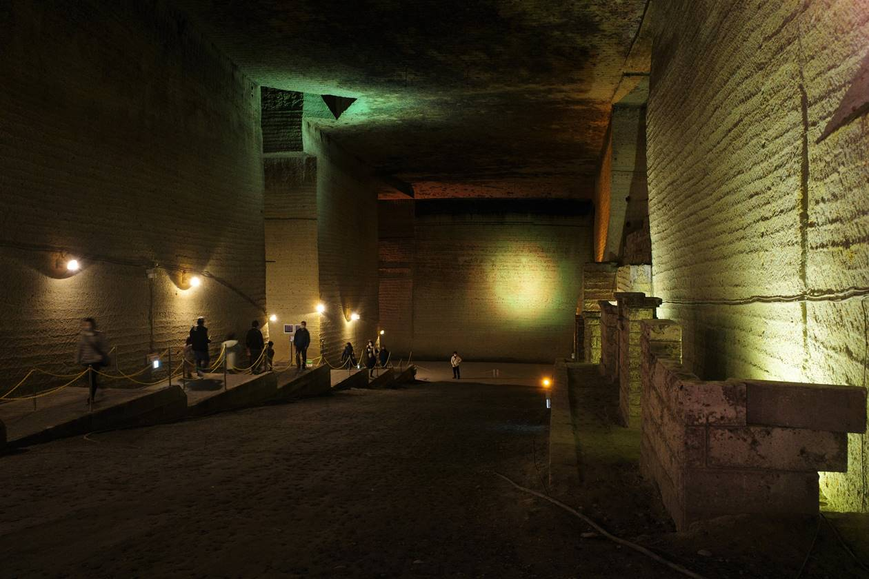 大谷資料館 岩と光の地下神殿