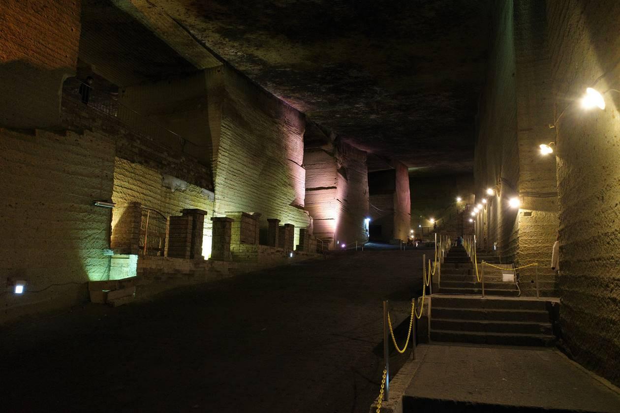 大谷資料館 地下に広がる幻想的な採石場跡