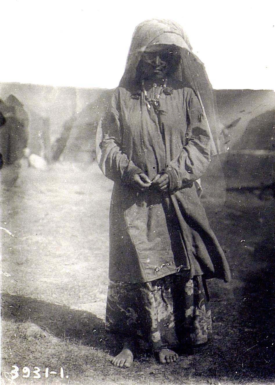 Бедная женщина рода Беренгари, с внуком