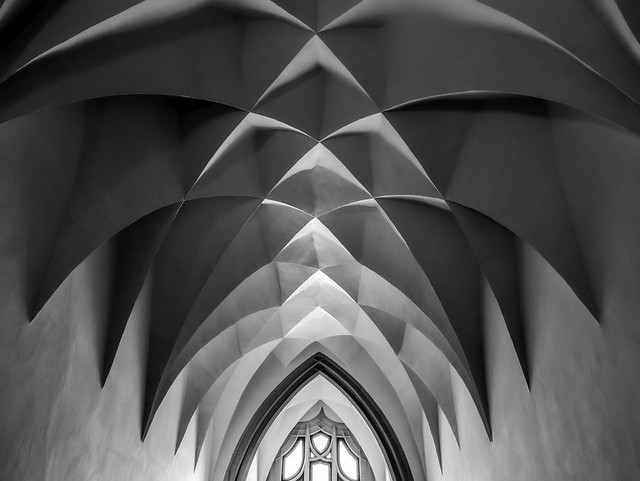 late Gothic symmetry
