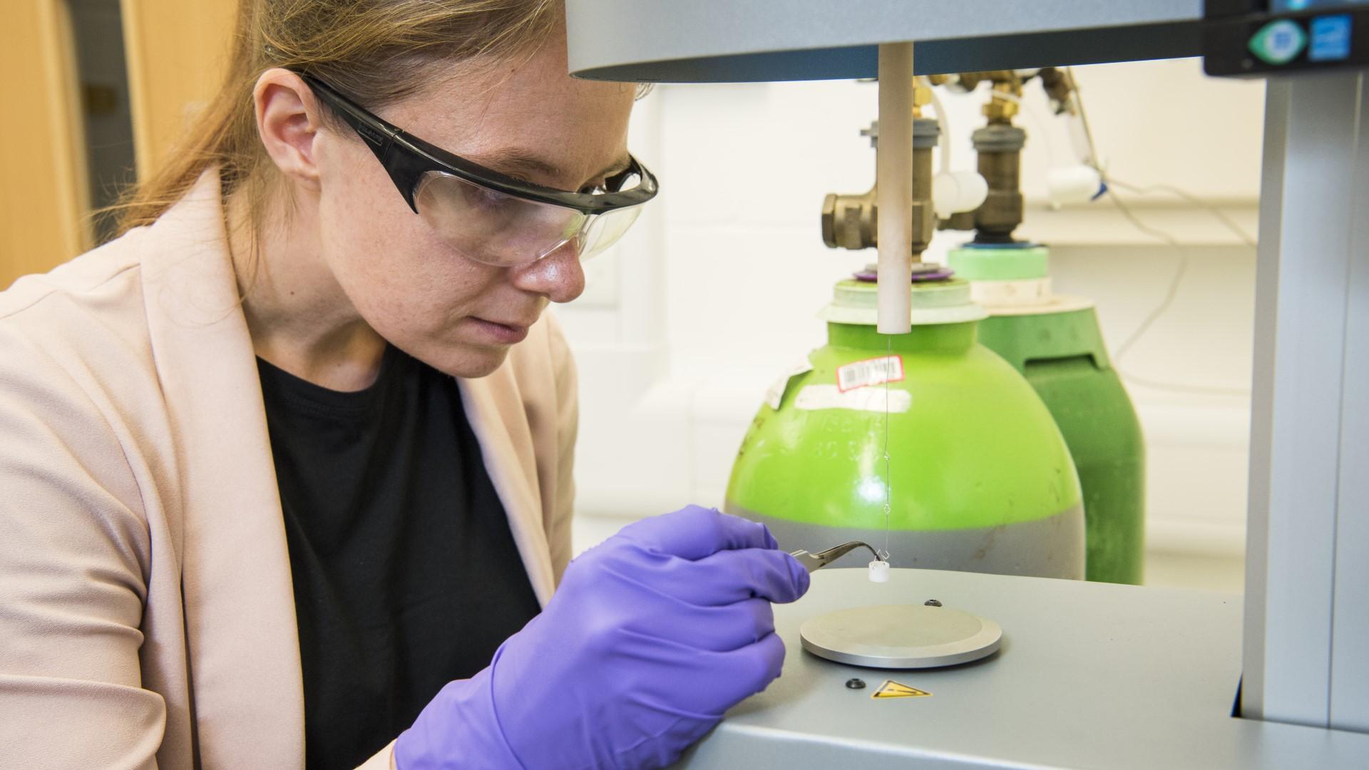 A CSCT researcher