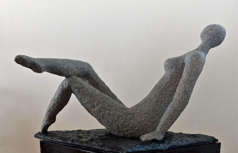 פסל אישה פיסול נשים רחל פרנק יוצרות מודרניות ישראליות עכשוויות יוצרת מודרנית היוצרת המודרנית