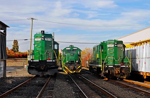 raritancentral rcry edisonnj raritancenter emd gp10 ge b237 train railroad railfan
