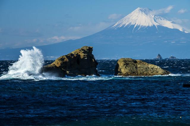 160124-152842 Mt. Fuji looking from Kumomi Beach  雲見海岸からの富士山