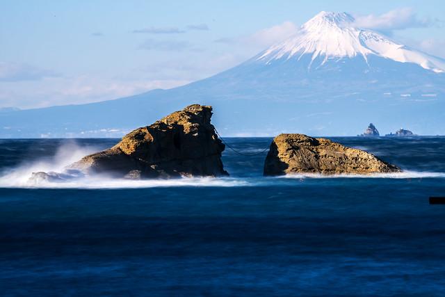 160124-154012 Mt. Fuji looking from Kumomi Beach  雲見海岸からの富士山