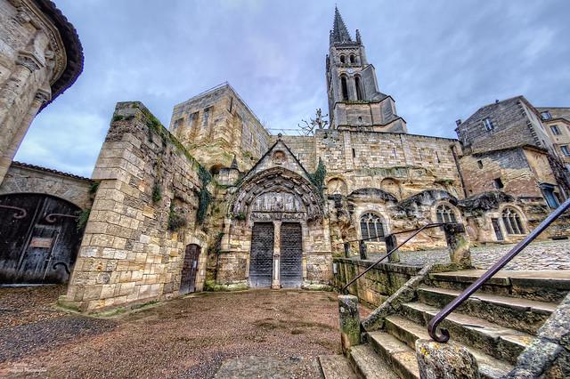 L'Église Monolithe et son Clocher. Saint Émilion