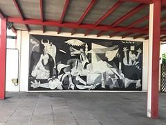 Pati del Pavelló de la República. Gernika. Picasso