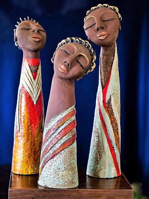 פסלי נשים ראש אישה יוצרת מודרנית פסלת עכשווית ישראלית פיסול ישראלי מודרני עכשווי הפיסול המודרני יוצרות מודרניות