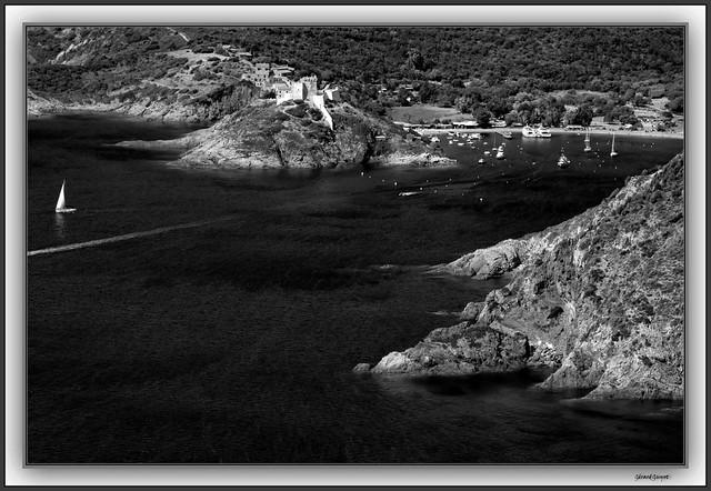 Le Fortin et le port de Girolata