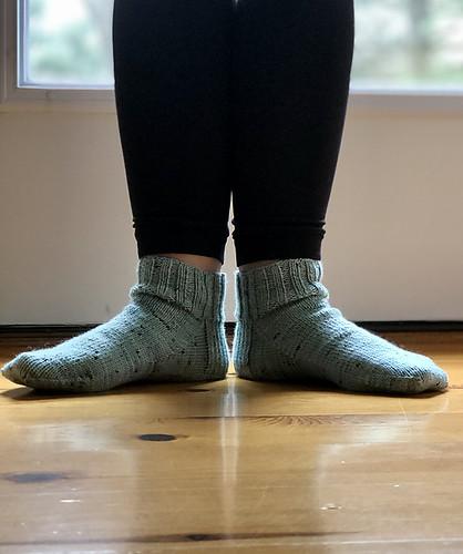 Karen (kmae64) finished this pretty pair of Plain Jane Shortie Socks knit using yarn from @thegreenbuttonjar