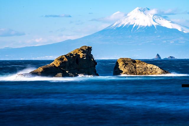 160124-153807 Mt. Fuji looking from Kumomi Beach  雲見海岸からの富士山