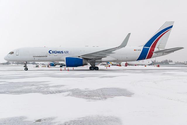 Cygnus Air / B752F / EC-NFN / EETN