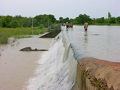 Weir spilling, Nabazana, Burkina Faso