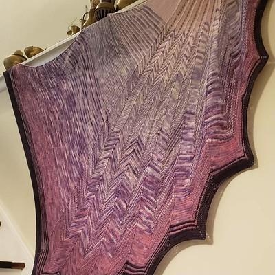 Kay (@kayrobbins) favourite Stephen West shawl is her Chevron Shenanigans! Beautiful!