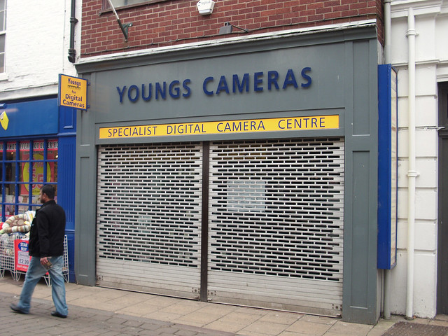 Youngs  camearas...