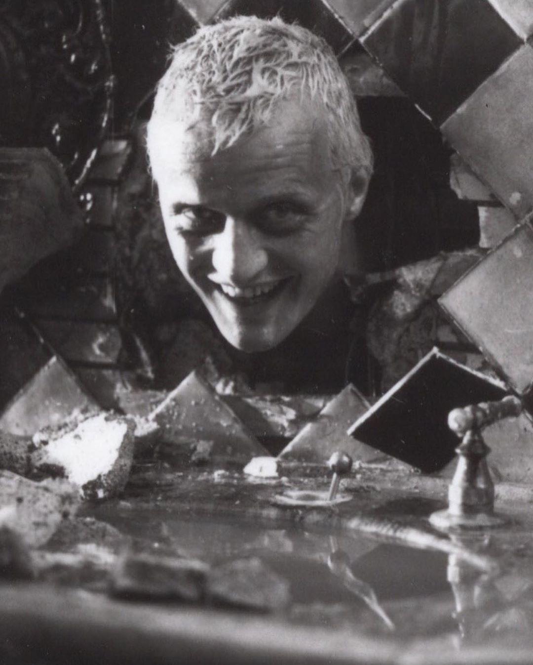 Рутгер Хауэр на съемках фильма «Бегущий по лезвию»