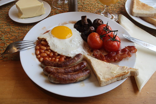 Cooked English Breakfast mit Baked Beans (mein zweiter Teller)