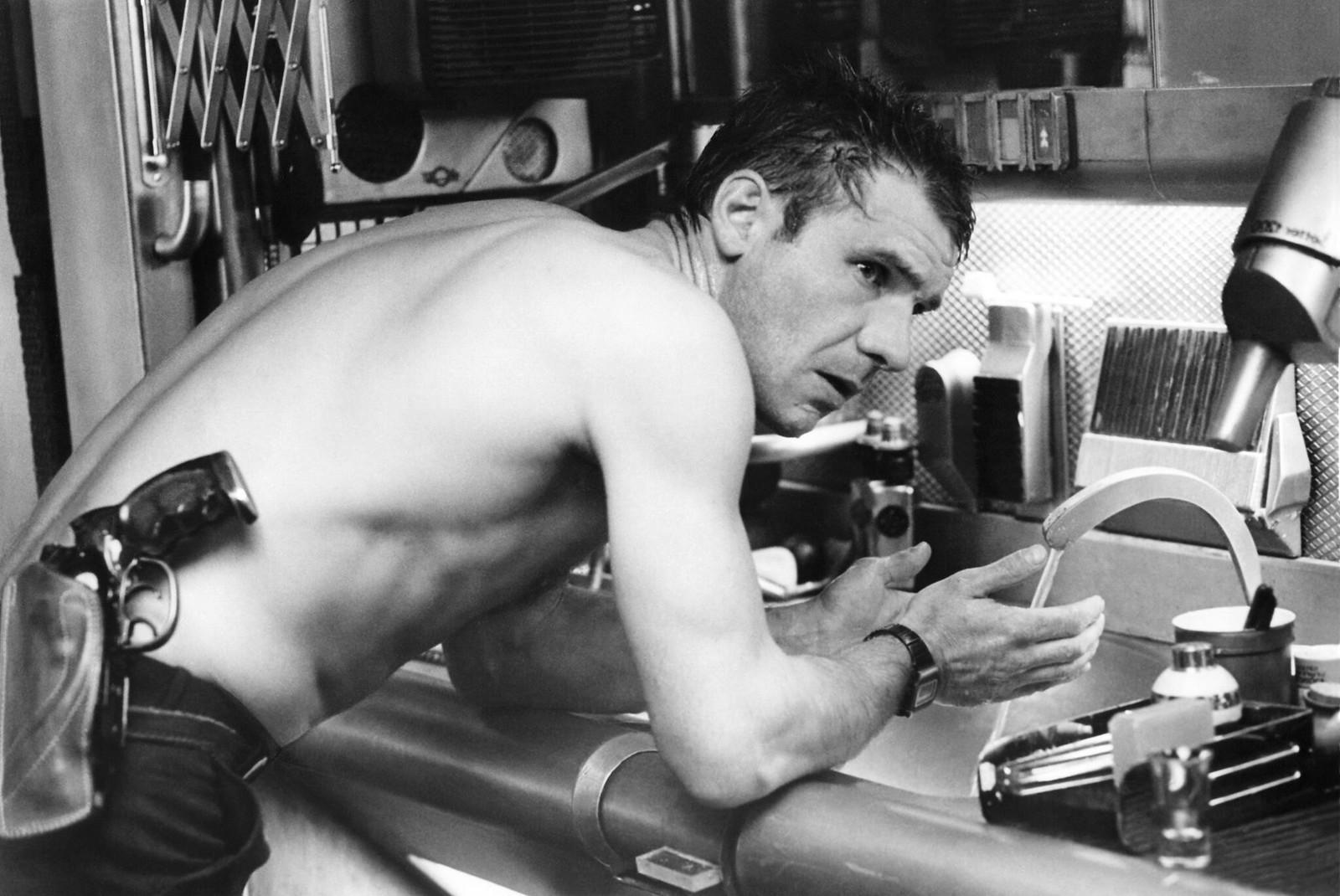 Харрисон Форд на съемках фильма «Бегущий по лезвию»  (4)