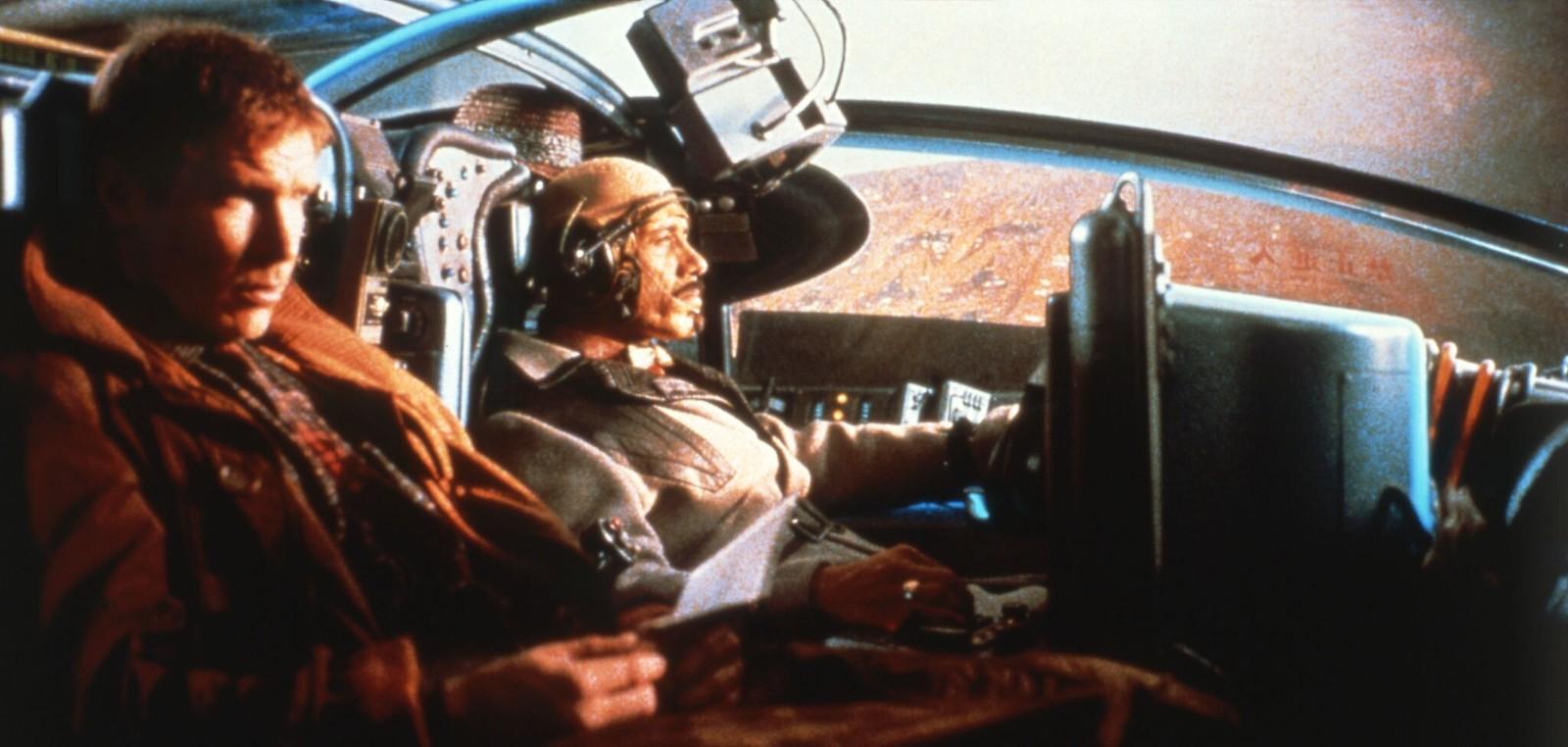 02. Харрисон Форд и Эдвард Джеймс Олмос на съемках фильма «Бегущий по лезвию»