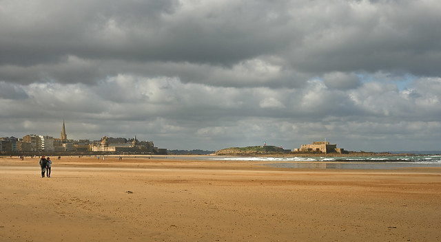 Saint-Malo / Le Sillon / Cloudy day