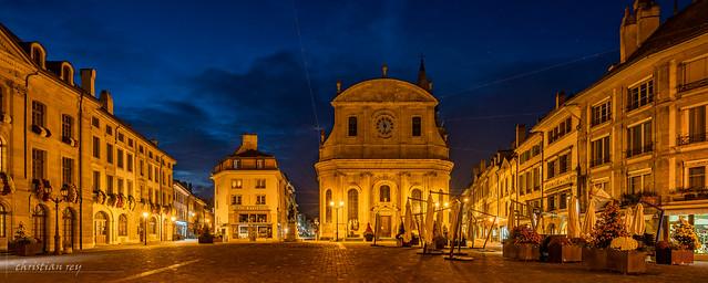 La place Pestalozzi à l'heure bleue (Switzerland)