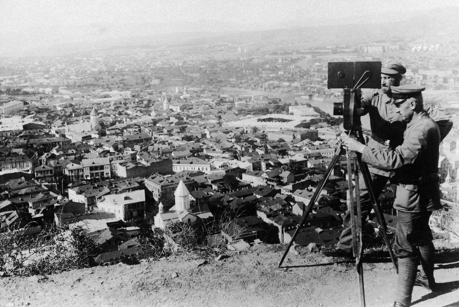 Немецкая съемочная группа в Тифлисе. 1918