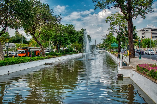 Rop Krung canal with fountains in Bangkok, Thailand