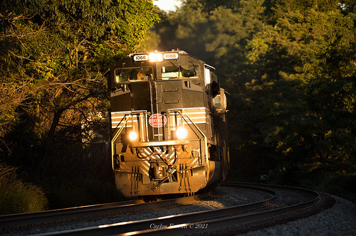 ns 1066 norfolk southern heritage unit train trains nyc new york central sunset gold emd sd70ace 21m pittsburg line intermodal pennsylvania