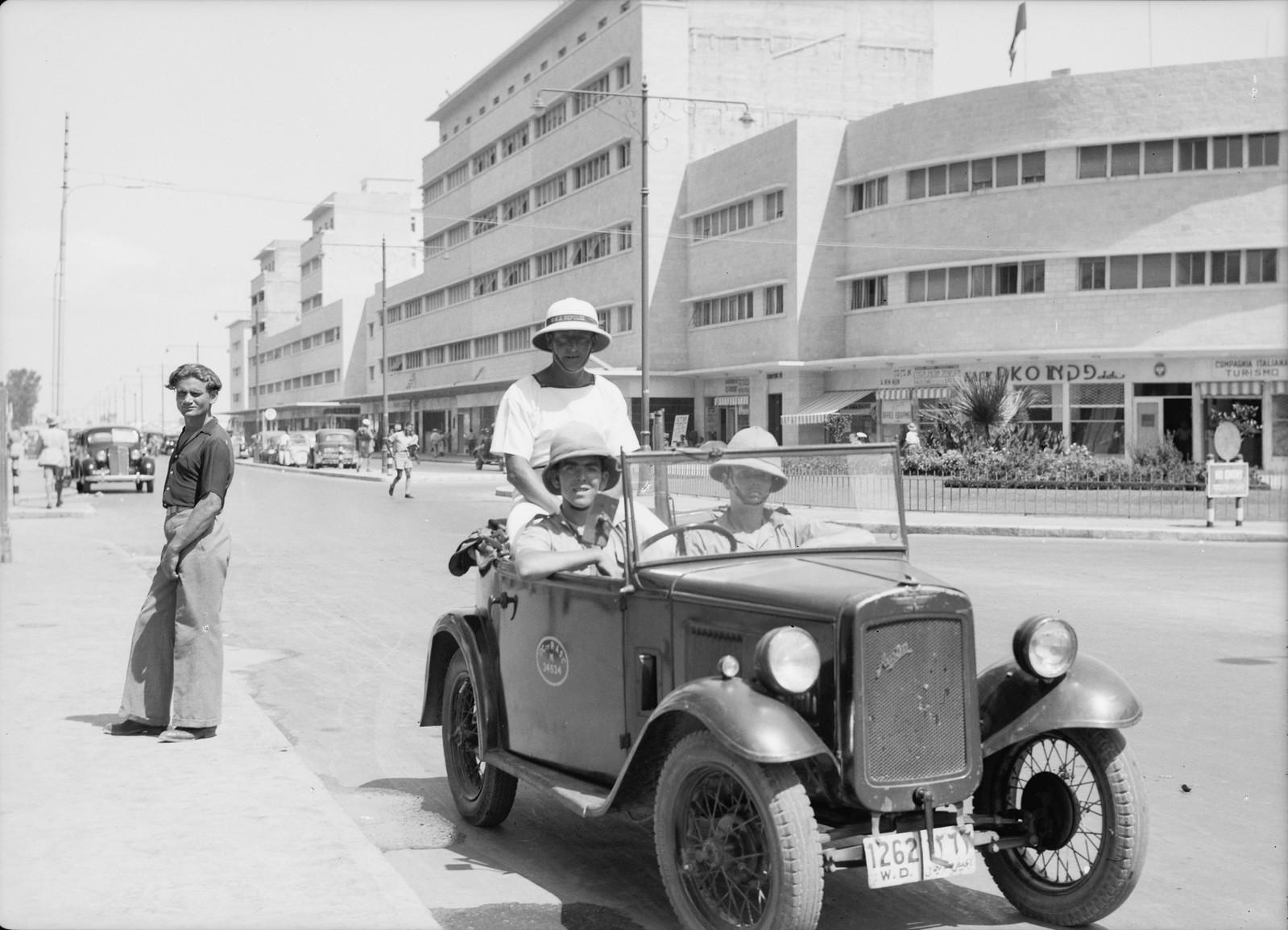 09. 1938. Патруль морской пехоты на Кингс-Уэй в Хайфе