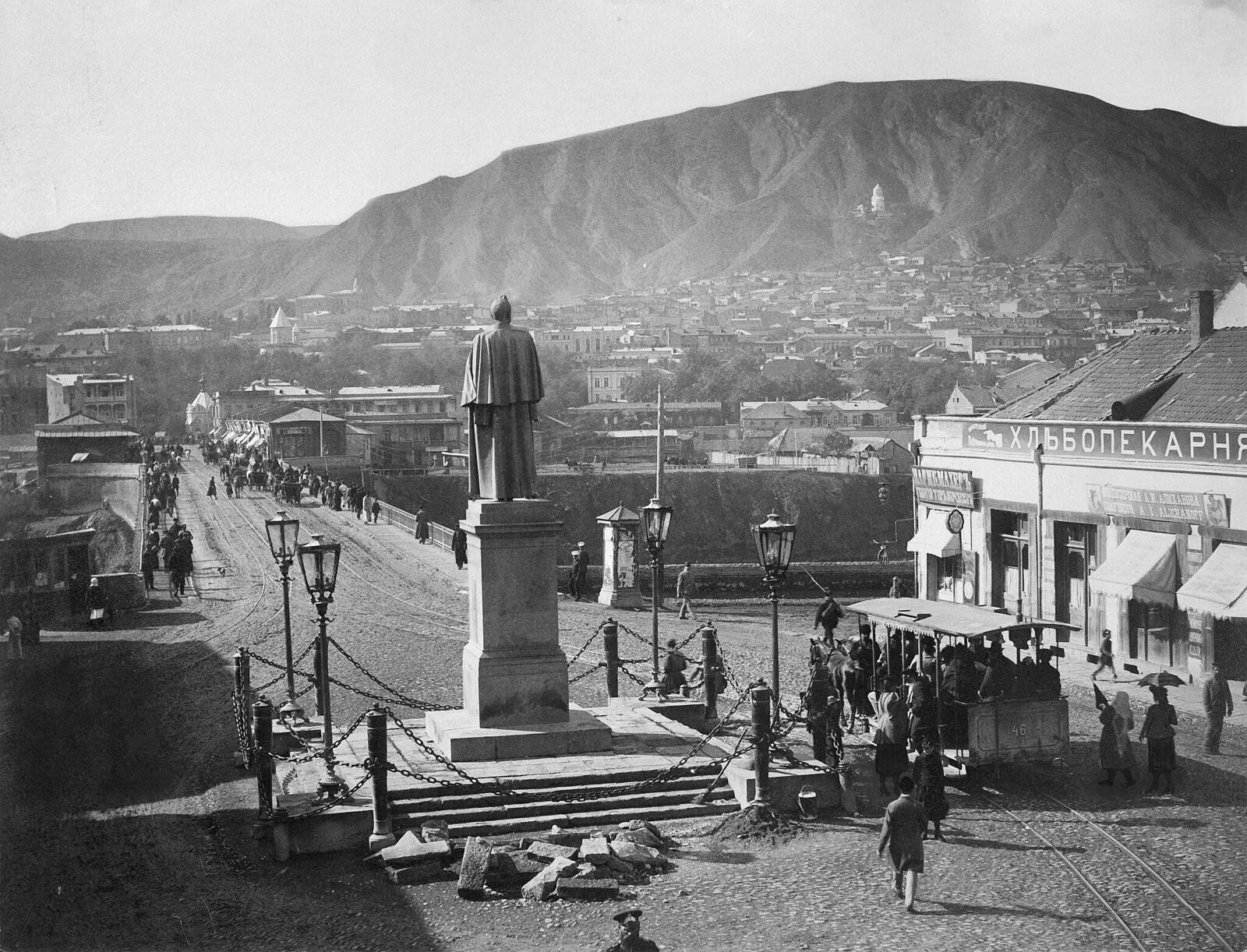 Памятник Воронцову