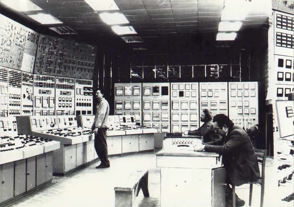 8 Блочный щит управления Комсомольской ТЭЦ-3 (1989 г.).В 1989 г. в эксплуатацию был принят энергоблок № 2.