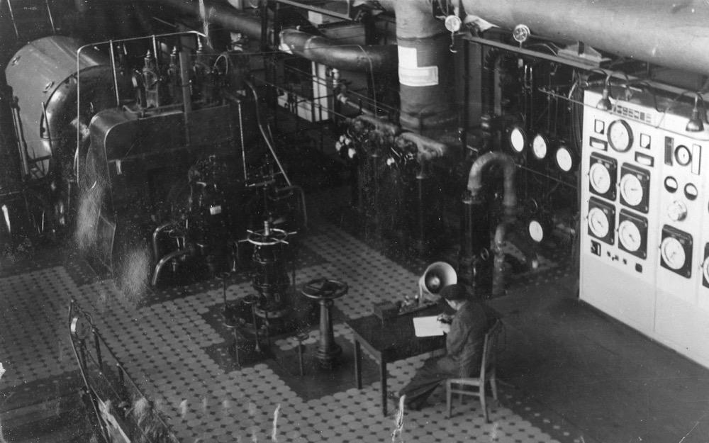 3 Турбинный зал 2-й очереди Комсомольской ТЭЦ-2 (1950-е гг.)