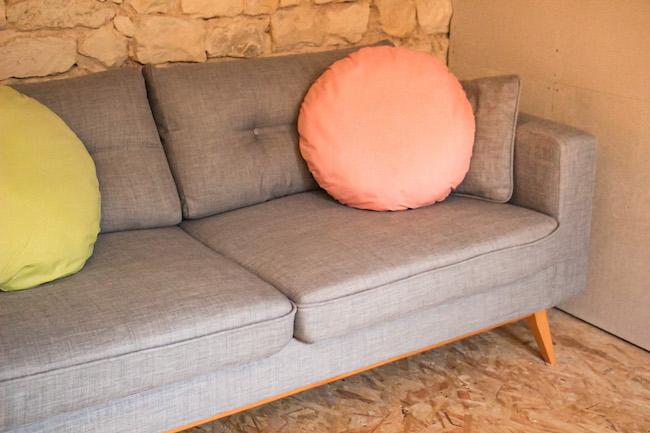 choix-de-notre-canape-comment-bien-le-choisir-quelle-couleur-decoration-interieure-blog-mode-la-rochelle-2