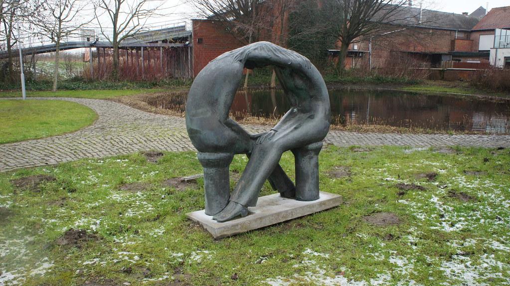 Una de las tantas esculturas esparcidas por Sint-Amands