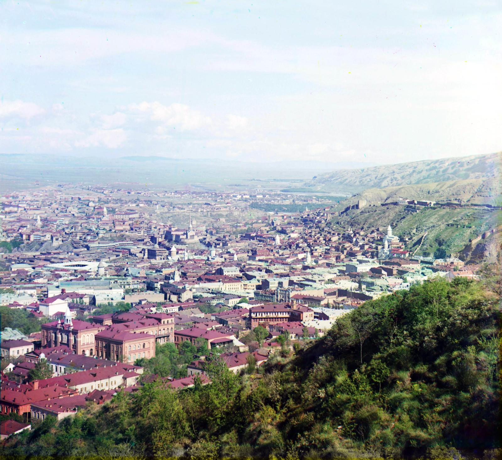 Вид на Тифлис с горы Мтацминда