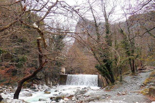 Δίπλα στο ποτάμι / By the river