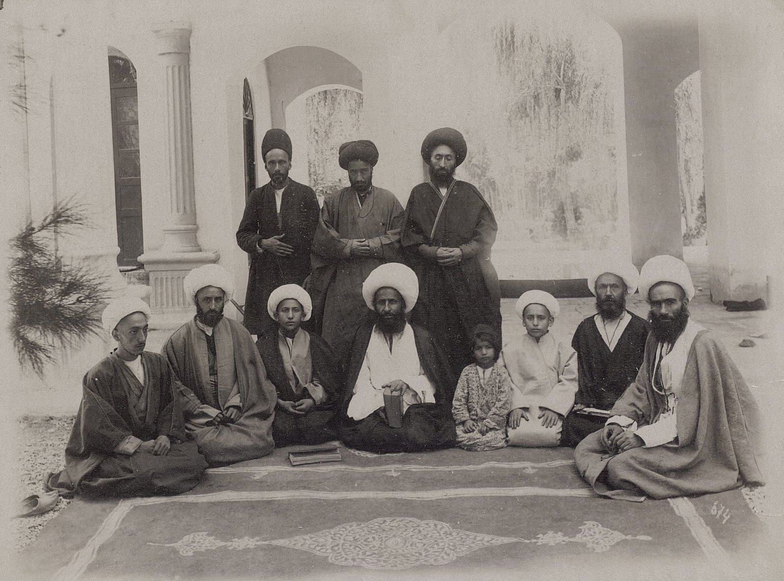 Муштаид и муллы