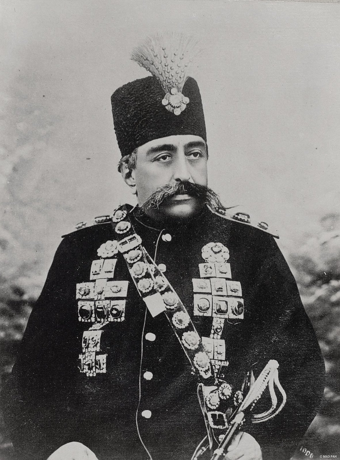 Музафер Эддин шах (1896-1906).